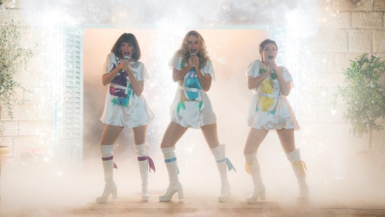 A halott is táncra perdül a Mamma Mia! 2-ben