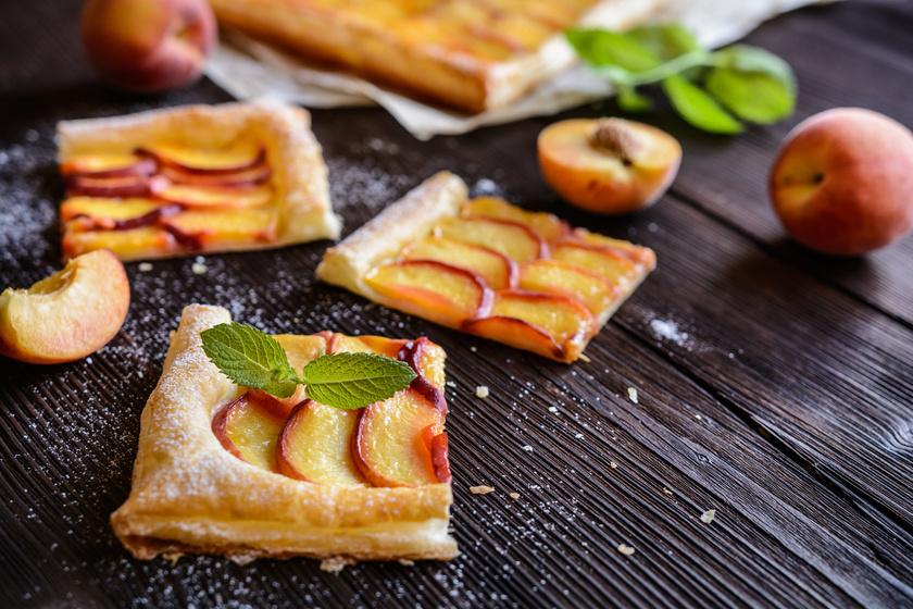 Roppanós barackos leveles süti: egyszerű, expressz édesség