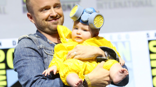 Aaron Paul drogszakácsnak öltöztette 5 hónapos kislányát