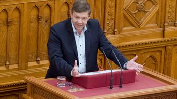 Az MSZP elnöke kiakadt azokra, akik nem szavazták meg a képviselői fizetésemelést
