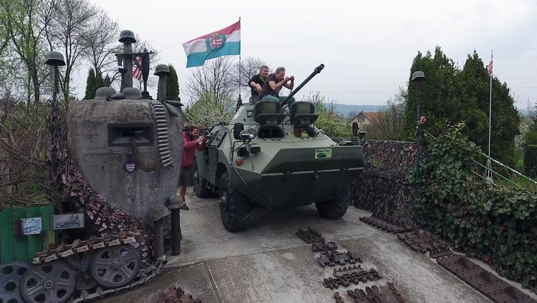 Extrém menet: tankkal a Kéktúrán