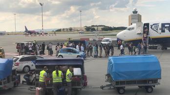 A Ryanair megismételte: csomagjaik nélkül viszi az utasokat a Kanári-szigetekre