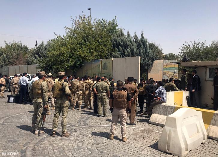 A kurd biztonsági erők katonái Erbílben, a kormányzói hivatalnál 2018. július 23-án