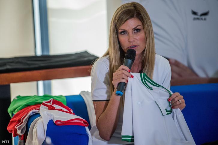 Kővári Ágnes vezérigazgató a 2Rule új magyar sportruházati márkát bemutató sajtótájékoztatón 2018. július 20-án