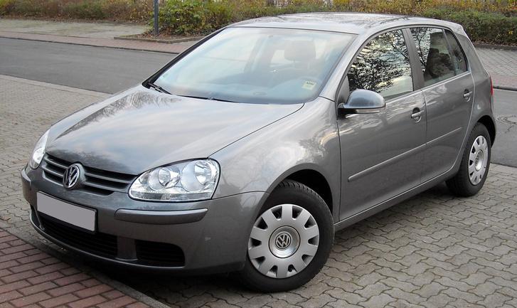 VW Golf V front 20081127