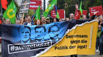 Huszonötezren tüntettek Seehoferék ellen Münchenben