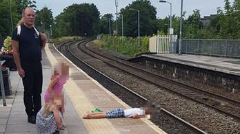 Az apja szerint nem volt veszélyben a fejét a vonatsín fölé lógató fia