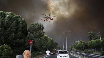 Hatalmas erdőtüzek tombolnak Athén közelében
