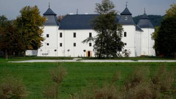 Szétlopták az egervári kastélyfelújítást, vádat emeltek ellenük