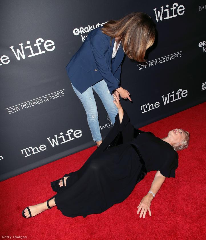 Kolléganője láttán Glenn Close dobott egy hátast ott helyben a vörös szőnyegen.