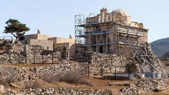 Ékszerekkel teli sírt tártak fel Görögországban