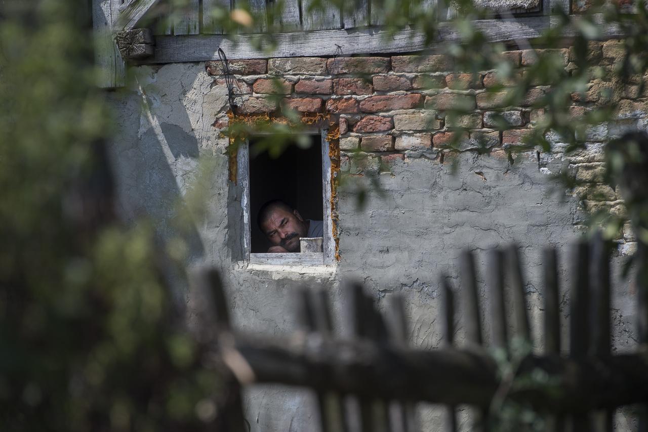 """A felnőttek nagy része passzív, maximum az ablakból figyeli a mókát. Olyan is akadt, aki csak """"beadta"""" a 3 éves gyereket, hogy vigyázzanak rá, de ő maga nem maradt."""