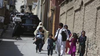 Robbanások sorozatát hallották Kabulban
