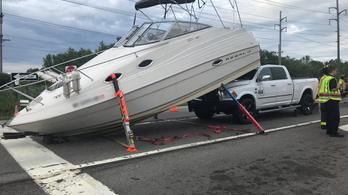 Szokatlan ráfutásos baleset
