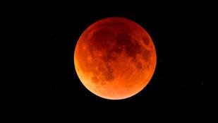 Az évszázad leghosszabb holdfogyatkozása jön pénteken