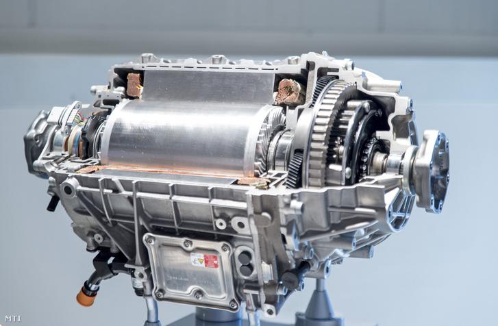 Egy elektromos autó motorjának metszete