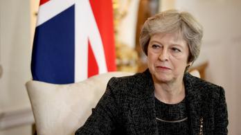 Theresa May átveszi a brexit feletti irányítást