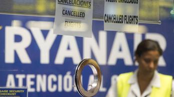 Közölte a Ryanair, mennyit keresnek a sztrájkoló pilóták