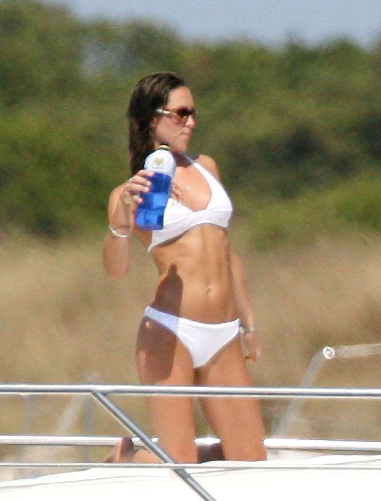 Katalin hercegné hófehér bikiniben tündökölt még 2006-ban. Ma már biztosan nem készülhetnének róla ilyen fotók.