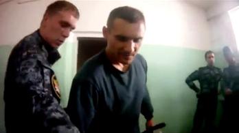 Börtönőröket vettek őrizetbe a videóra vett orosz fogolykínzás után