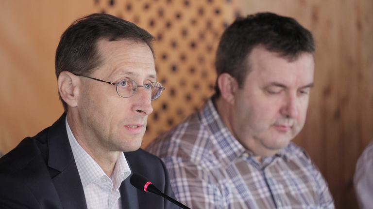 Varga Mihály: Sokuknak egy nyomorult honlapja sincs