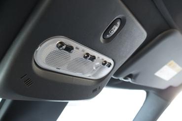 Nem az a fő baj, hogy a Clio II-ben ilyen belső  lámpa volt, hanem az, hogy nem szép, és nem világít igazán jól