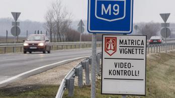 Külföldiek fizetik a magyar útdíj felét