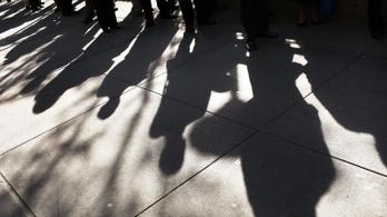 Több amerikai munkanélküli, mégis teljes foglalkoztatás – hogy van ez?