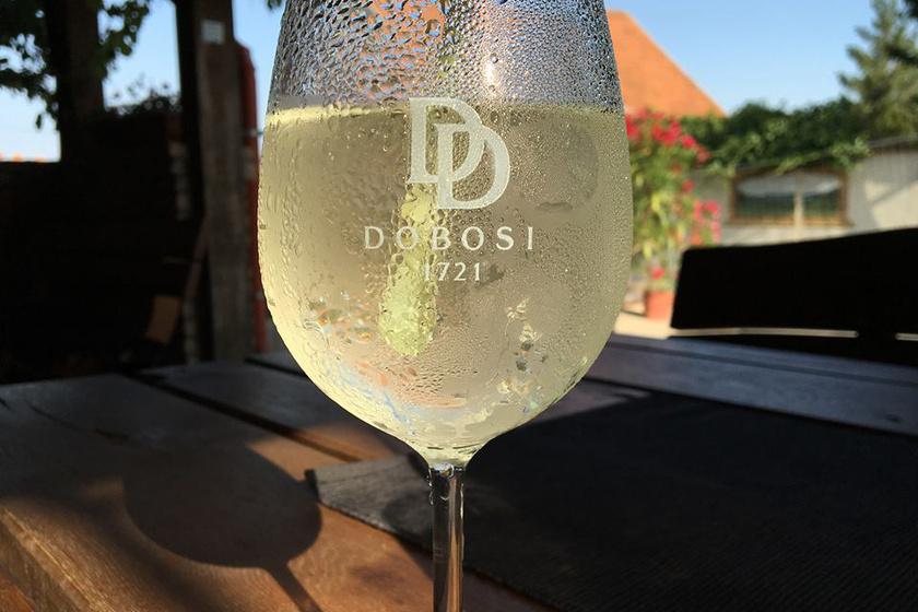 Dobosi fehérbor (2)