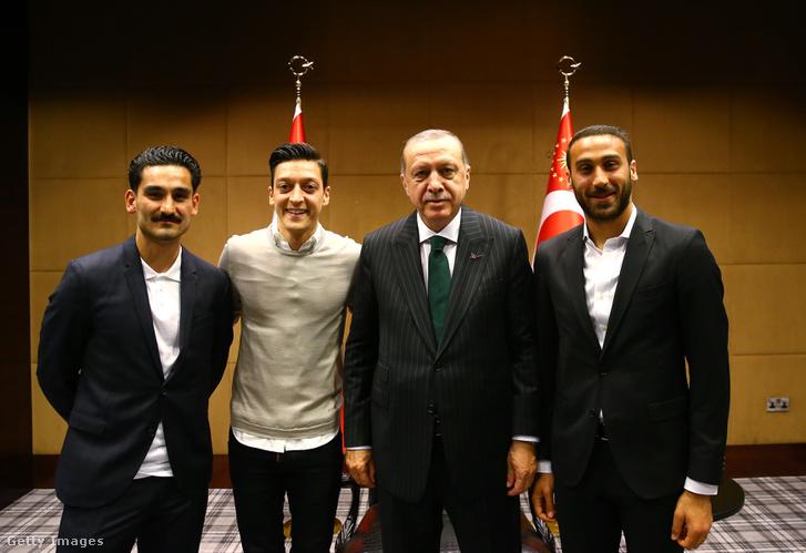 Gündogan, Özil, Erdogan és Tosun