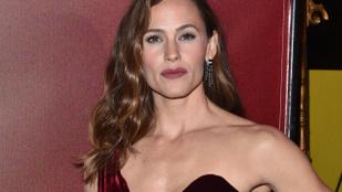 Jennifer Garner nem engedi a gyerekei közelébe Ben Affleck barátnőjét