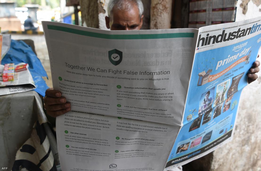 Álhírekre figyelmeztető felhívás egy indiai újság hátoldalán 2018. július 10-én