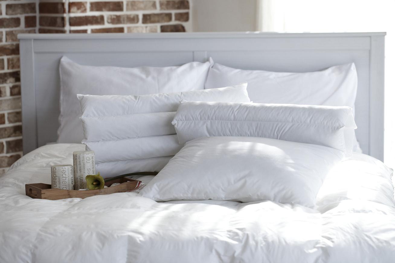 pillow-1890940 1920