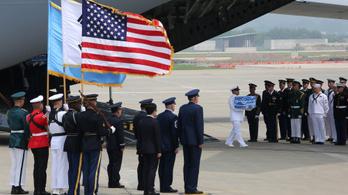 Észak-Korea visszaszolgáltatta az amerikai katonák maradványait