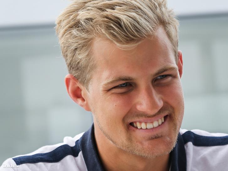 Marcus Ericsson a Sauber versenyzője, Leclerc csapattársa