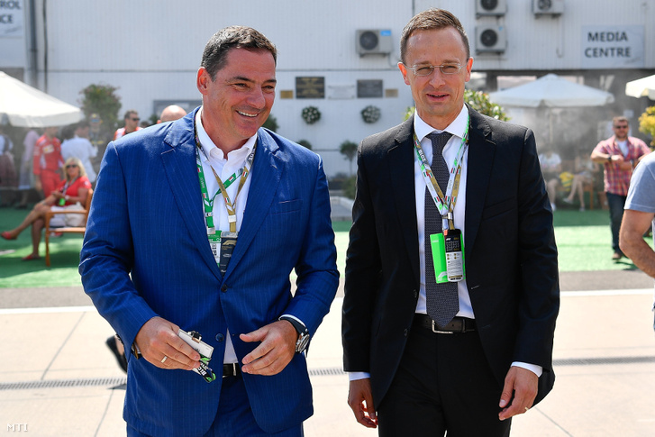 Gyulay Zsolt a Hungaroring Sport Zrt. elnök-vezérigazgatója és Szijjártó Péter