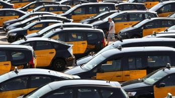 Tovább gyűrűzik a spanyol taxissztrájk