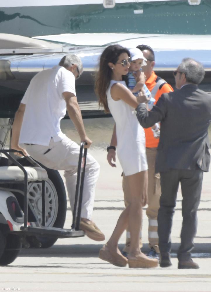 Ismerkedjen meg Ella Clooneyval, a színész és az ügyvéd kislányával!(Ezek a képek pár nappal a korábban készültek.)