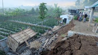 266 turista rekedt egy indonéz hegyen a halálos földrengés után