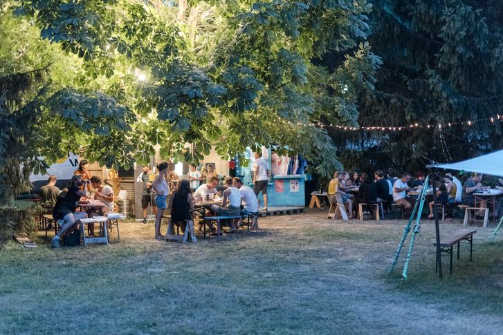 A Hello Wood tábor központja Tokajban