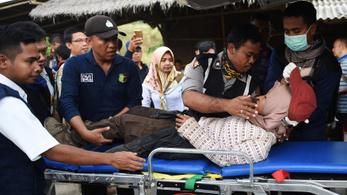 Több mint ötszáz túrázót kellett lehozni egy indonéz vulkánról
