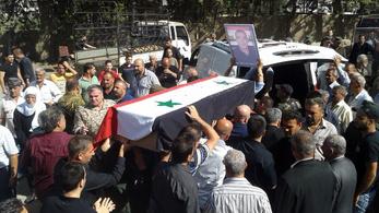 Miután 255 emberrel végzett, 36 nőt és gyereket rabolt el az Iszlám Állam