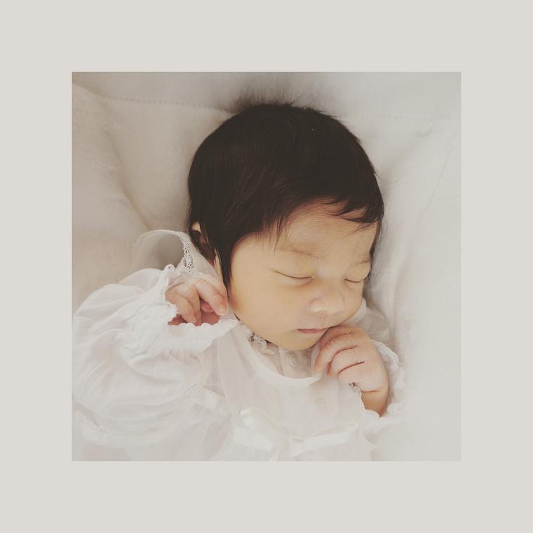 Aki a saját babáját ennyi hajjal hozza világra, már sejtheti, mire számítson a jövőben