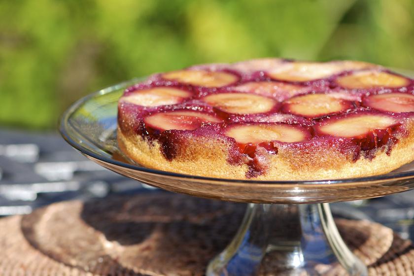 Fordítva sült, gyümölcsös kevert süti: ebből soha nem elég egy szelet