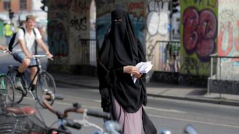 Mától tilos burkát viselni Dániában