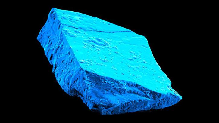 Hibonit kristály