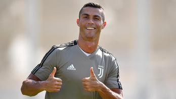 Ronaldo nem akármilyen kapufás góllal állt munkába a Juventusnál