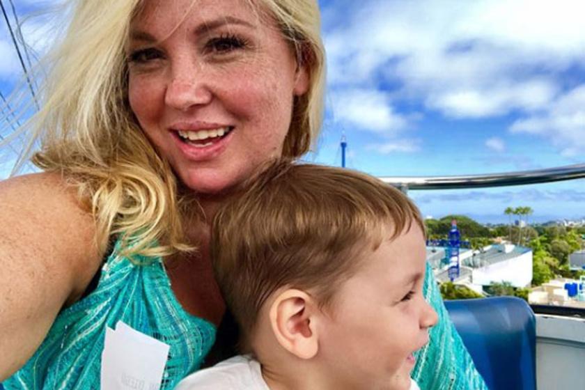 Liptai Claudia kisfiával, Marcival a San Diegó-i Sea World Parkban szórakozott. Nagyon édes ez a fotó kettejükről.