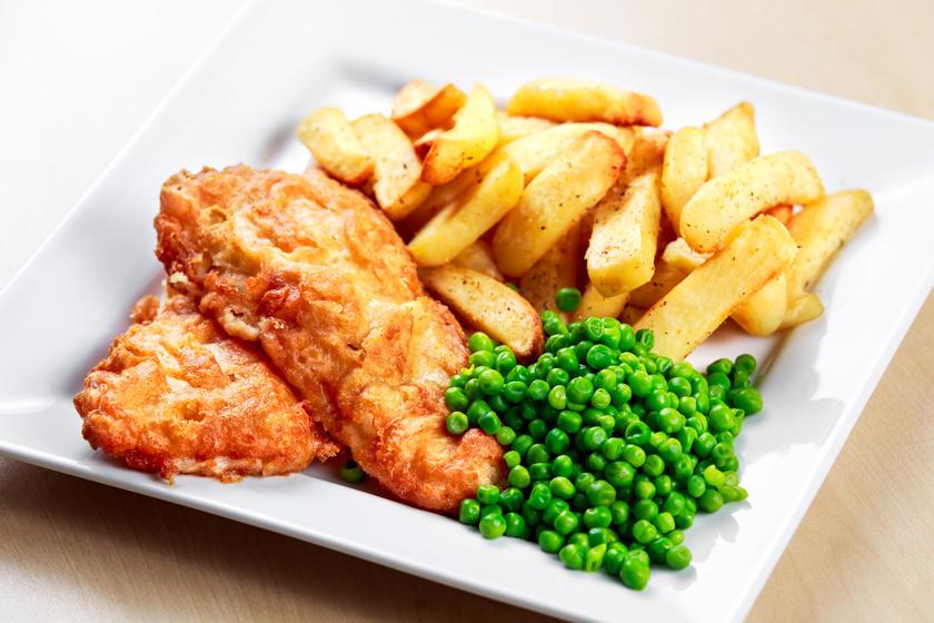Rántott hús helyett: ropogósra sült csirkemell fokhagymás, tejfölös bundában