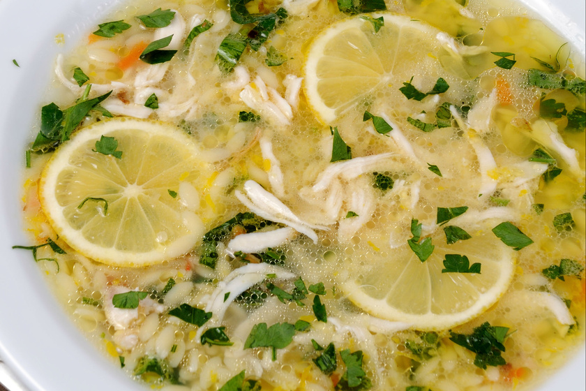 Görög, citromos csirkeleves: könnyű, nyári fogás